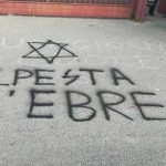 Pomezia, svastiche e scritte antisemite davanti alla scuola