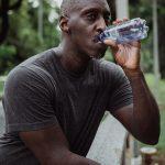 Quanta acqua dovresti bere in base al tuo peso?