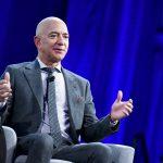 Jeff Bezos lascerà la guida di CEO di Amazon