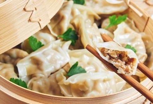 Ravioli cinesi al vapore Xiao Mai: una gustosa alternativa orientale ricca di nutrienti.