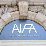 Covid-19, l'Aifa autorizza la cura con gli anticorpi monoclonali in Italia