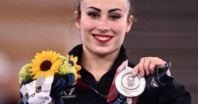 Tokyo 2020: Vanessa Ferrari vince la medaglia d'argento  nel corpo libero femminile